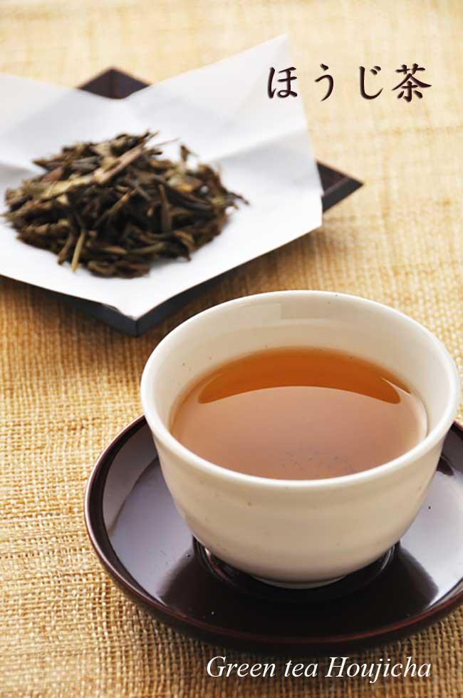 宇治茶園のほうじ茶。煎茶や茎茶を強火で炒って香ばしい香りを出したお茶です。 冷茶にしてもすっきりした飲み口です。焙じたての旨み、甘みを是非味わってください。